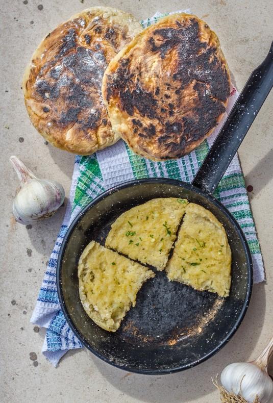 Bolo do Caco - Hvidløgsbrød fra madeire - mikkel bækgaards madblog