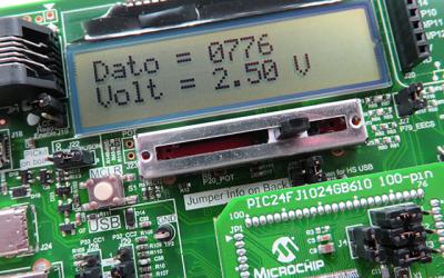 PIC24 LCD 16×2 visualiza dato y voltaje