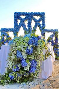 large-scale-floral-decor-hanging-floral-ceilings-floral-chandeliers-floral-walls-complete-intencive-training-floral-design