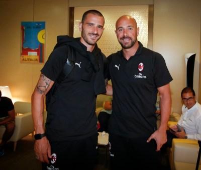 Leonardo Bonucci e Pepe Reina prima della partenza per la tournée americana