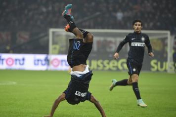 Obi.esultanza.Milan.Inter.2014.15.356×237
