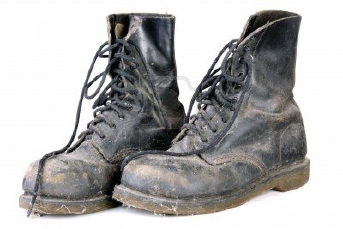 Vecchi-scarponi-militari
