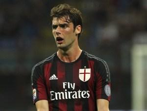 Il fatto che questo individuo abbia fatto 100 presenze con la maglia del Milan da la misura di quello che abbiamo dovuto sopportare