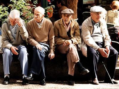Anziani a rischio, fino al 40% dei lombardi.