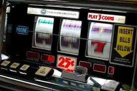 Così le mafie controllano le scommesse e slot