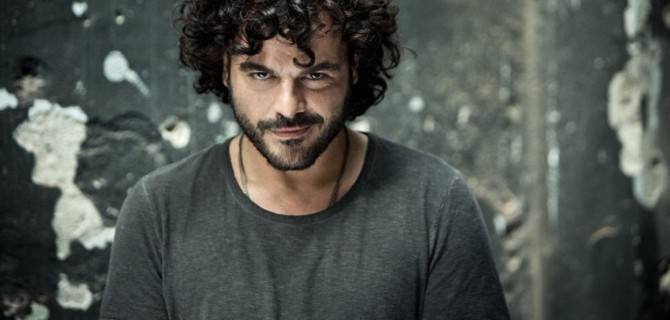 Francesco Renga in concerto all'Estathé Market Sound
