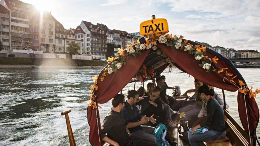 Basilea, taxi sul Reno. Svizzera
