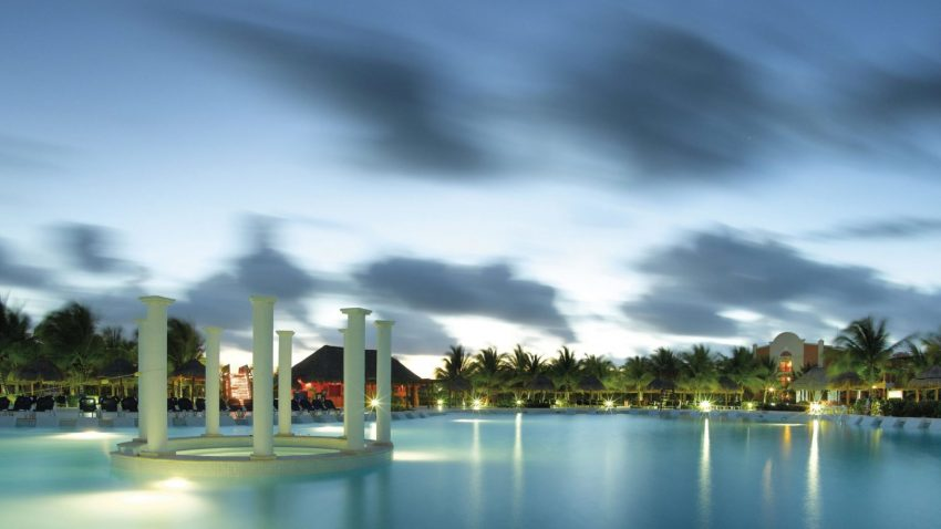 Grand Palladium Riviera Maya complex resort
