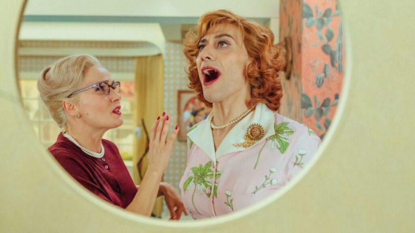 Filippo Timi e Lucia Mascino in una scena di Favola
