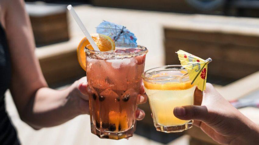 alcohol-alcoholic-bar-545058