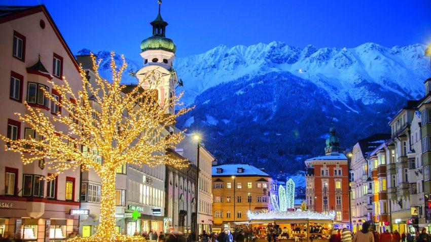 Maria Theresien Strasse di Innsbruck, durante le feste natalizie