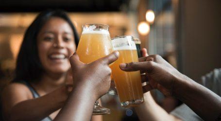 Aggiungi un posto a tavola che c'è una birra in più. Anche a Natale