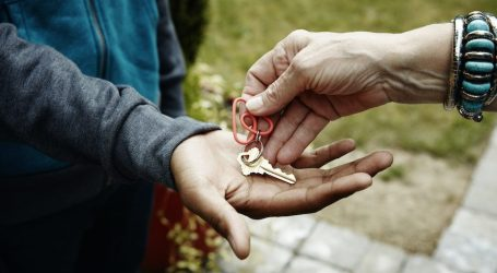 Coronavirus, da Airbnb case gratis a medici e infermieri