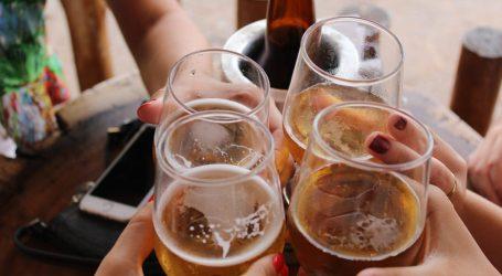 Beppe Sala: dalle 19.00 stop all'asporto di bevande alcoliche