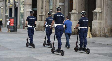 Monopattino mania a Milano: anche la polizia locale