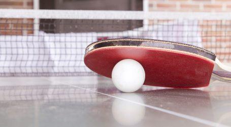 Milano scende in piazza e gioca a ping pong