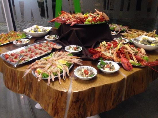 Miglior aperitivo di pesce a Milano  Milano Life