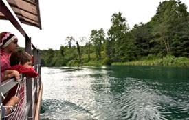 Com bello navigare sul fiume Adda