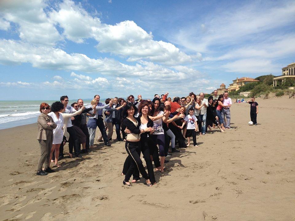 L'abbraccio sulla spiaggia - Donoratico 2014