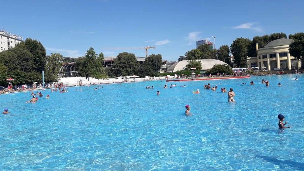 Apertura straordinaria piscina Lido di Milano 34 settembre 2016