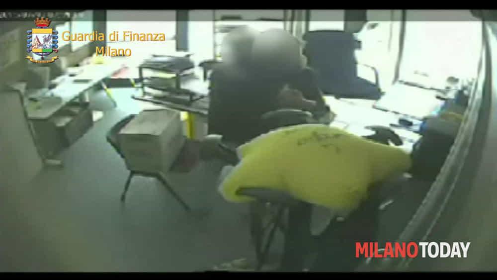 Arrestato funzionario del comune di Rescaldina sesso in