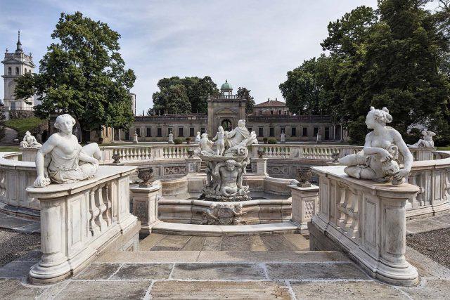 villa Litta fontana 3