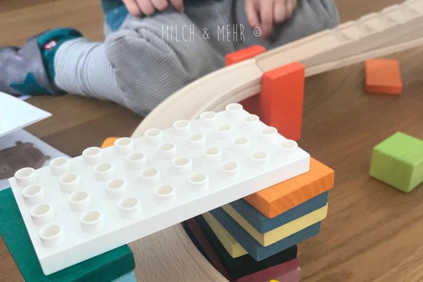 Holzkugelbahn mit Duplosteinen kombinieren