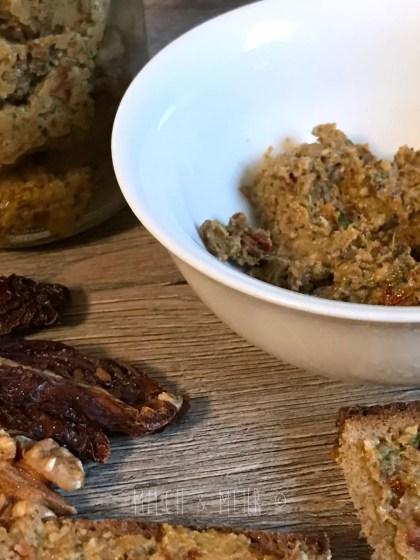 Rezept gesunder Brotaufstrich vegan