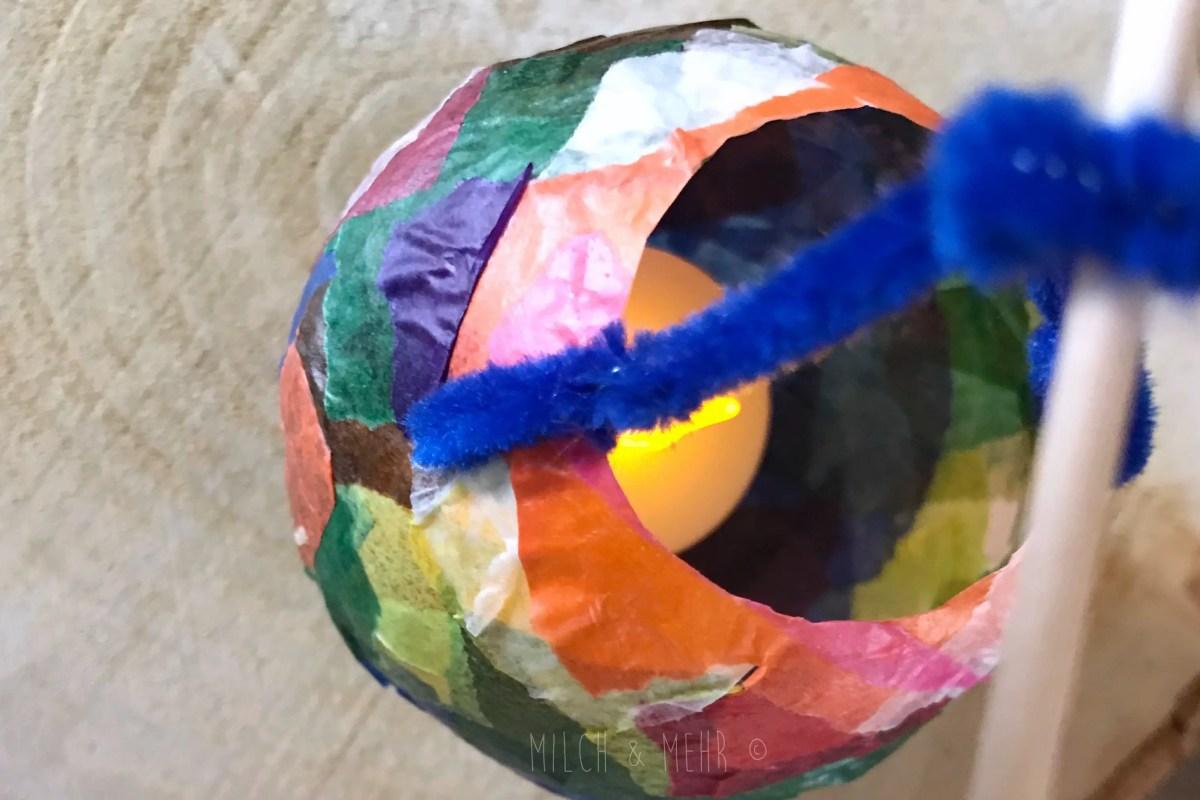 Laterne aus Wasserbombe Kleister Transparentpapier