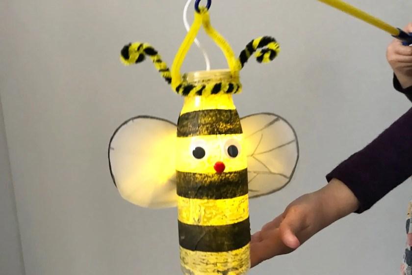 Bienenlaterne aus Plastikflasche