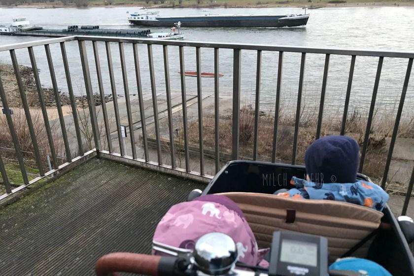 Schiffe gucken am Rhein