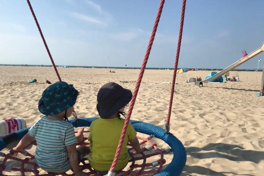 Vrouwenpolder Strand Spielplatz