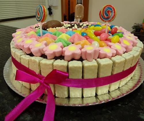 Fonte: http://andreamelinsky.blogspot.com.br/2012/01/bolo-bis.html