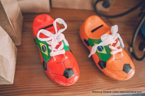 http://craftroombyfe.blogspot.com.br/2014/04/festa-de-futebol-retro.html