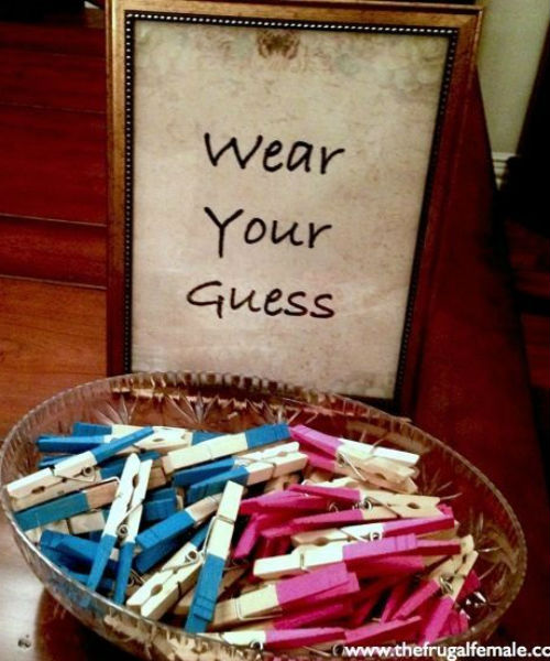 Imagem: http://indulgy.com/post/ZetX4Mg072/painted-clothespins-for-gender-reveal-party