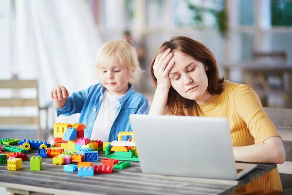 férias escolares mães que trabalham
