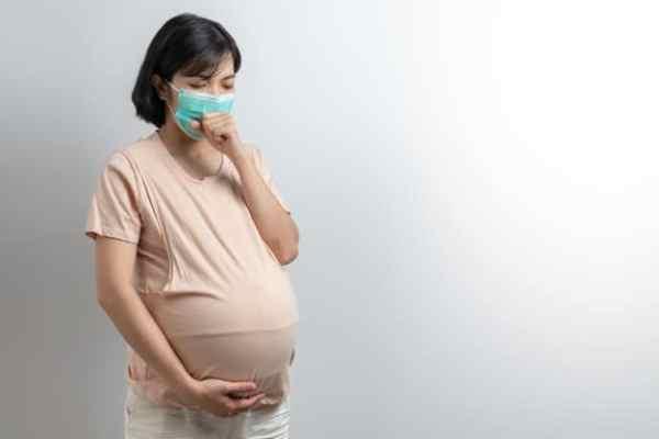 Grávida tossindo