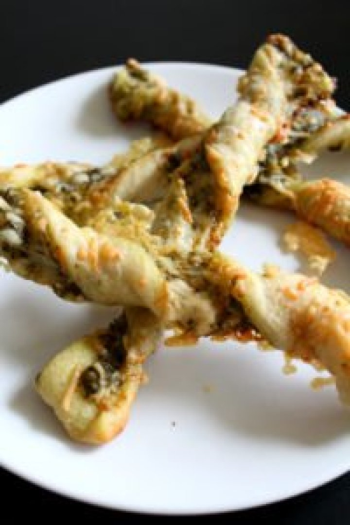 Twisted Pesto Breadsticks