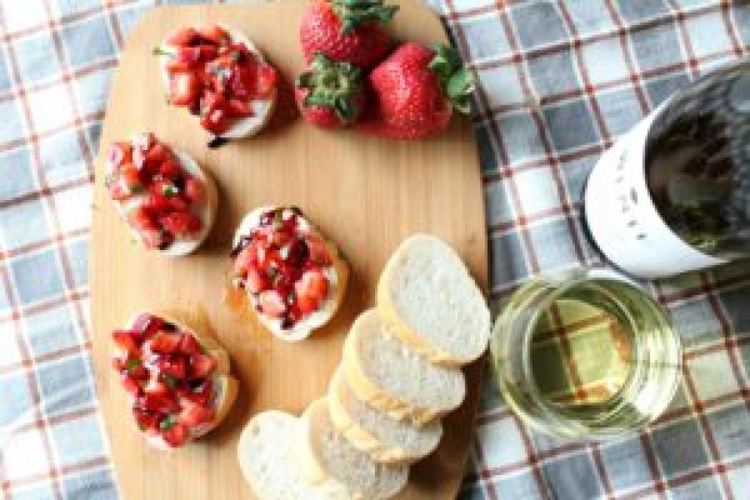 Strawberry Basil Balsamic Bruschetta