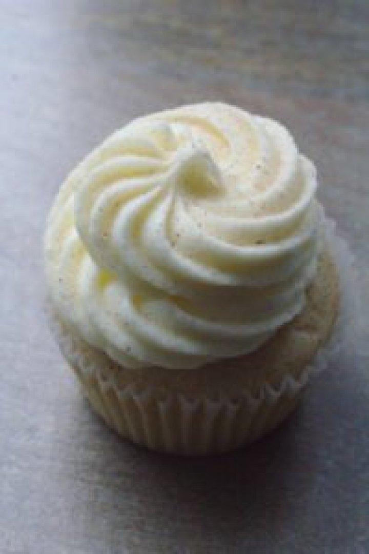 Easy Snickerdoodle Cupcakes