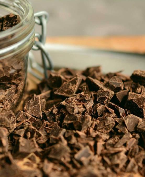 Chocolate Chips por puñados. —¡Quién da más!