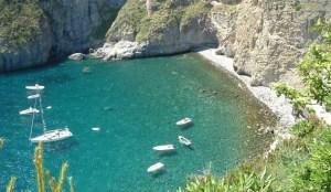 La_Baia_di_Sorgeto_a_Ischia