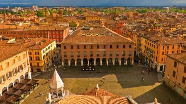 Modena, tra storia, arte, cibo e motori