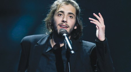 Eurovision winner Salvador Sobral in 'race against time' for new heart