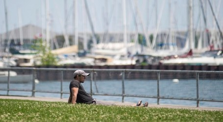City issues extended heat warning as hot, humid weather continues in Toronto
