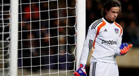 Benfica contrata jovem guarda-redes belga Mile Svilar por cinco anos