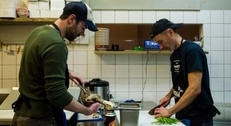 Subida do salário mínimo no Ontário leva proprietários de negócios a subir preços e a considerar reduzir pessoal de trabalho
