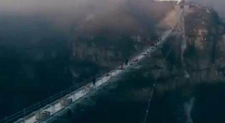 China inaugura maior ponte de vidro do mundo