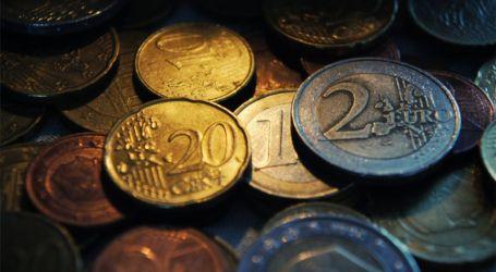 Euro recua pouco após Trump promulgar reforma fiscal