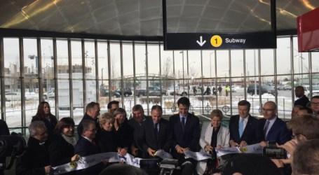 Justin Trudeau presente na abertura da extensão da Linha 1 da TTC